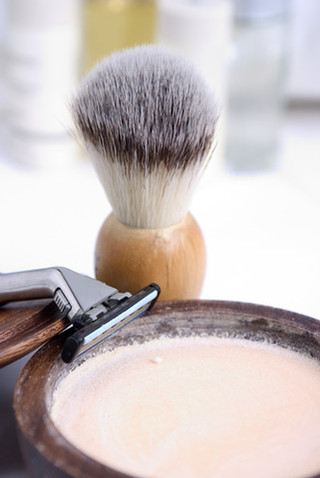 Shaving_brush_and_soap_large